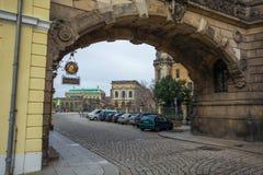 22 01 2018 Drezdeński; Niemcy - koszt stały wysklepiający most budujący w th Zdjęcie Stock