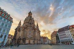Drezdeński Niemcy wschód słońca przy Frauenkirche kościół fotografia royalty free