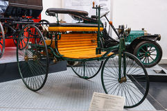 DREZDEŃSKI, NIEMCY - MAI 2015: Benz Patentowy Motorowy samochód 1886 w Dresd Zdjęcia Stock