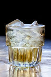 dricka exponeringsglas Is överst Royaltyfria Bilder