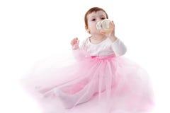 dricka flicka för flaska Royaltyfria Bilder