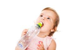 dricka flicka för flaska little Arkivfoto