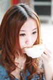 dricka flicka för kaffe Royaltyfria Foton