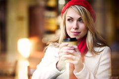 dricka kvinna för kaffe royaltyfri bild