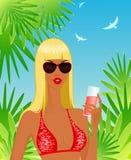 dricka kvinna för strandcoctail Arkivfoto