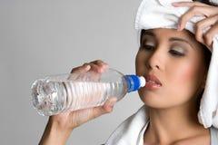 dricka personvatten royaltyfri foto