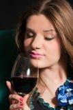 dricka winekvinnabarn Royaltyfri Foto
