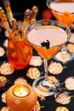 dricker det halloween mellanmål arkivfoto