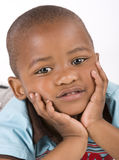 Drie éénjarigen het zwarte jongen het liggen glimlachen Royalty-vrije Stock Fotografie