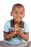 Drie éénjarigen het zwarte jongen spelen met blokken Royalty-vrije Stock Afbeeldingen