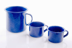 Drie Blauwe Colord Tin Coffee Cups Royalty-vrije Stock Foto