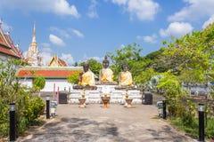 Drie Boedha standbeeld in Wat Phra Borommathat Chaiya Worawihan, een oude tempel bij Chaiya-district, de provincie van Surat Than Stock Fotografie