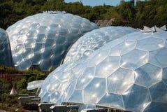 Drie Eden Project Biomes royalty-vrije stock afbeeldingen