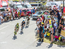 Drie Fietsers op Col. du Glandon - Ronde van Frankrijk 2015 stock afbeeldingen