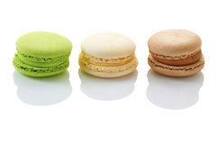 Drie Franse macarons op wit Royalty-vrije Stock Foto