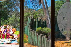 Drie Glasvensters die uit eruit zien Stock Afbeeldingen
