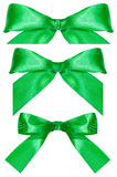 Drie groene die knopen van de satijnboog op wit worden geïsoleerd Royalty-vrije Stock Afbeeldingen
