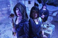 Drie Heksen in Zwarte royalty-vrije stock afbeelding