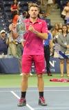 Drie keer Grote Slagkampioen Stanislas Wawrinka van Zwitserland tijdens trofeepresentatie na zijn overwinning bij US Open 2016 Stock Fotografie