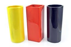 Drie kleurrijke ceramische vazen Royalty-vrije Stock Foto