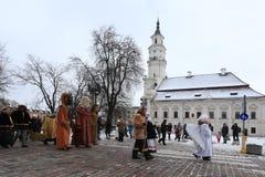 Drie koningenparades in Kaunas, Litouwen royalty-vrije stock foto's
