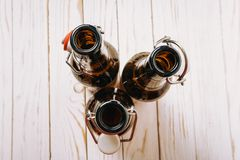 Drie lege Bruine flessen met deksels royalty-vrije stock foto
