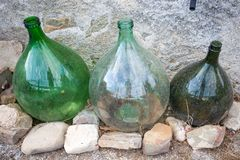Drie lege wijnhandelaars royalty-vrije stock fotografie