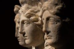Drie leidden roman-Aziatisch oud standbeeld van mooie vrouwen Royalty-vrije Stock Afbeeldingen