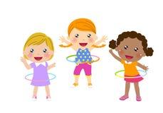 Drie leuke meisjes die hulahoepel tollen stock illustratie