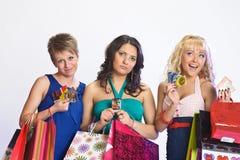 Drie meisjes na het winkelen Royalty-vrije Stock Afbeeldingen