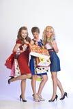 Drie meisjes na het winkelen Royalty-vrije Stock Fotografie