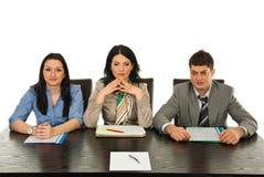 Drie mensen die op gesprek wachten Royalty-vrije Stock Foto's