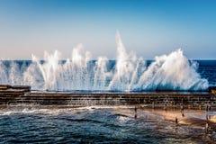 Drie natuurlijke pools naast een strand Bajamar Tenerife royalty-vrije stock foto