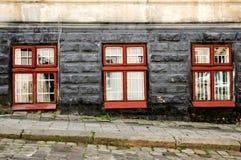 Drie oude uitstekende vensters Royalty-vrije Stock Fotografie
