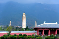 Drie Pagoden van de Chongsheng-Tempel in Dali, Yunnan-Provincie Royalty-vrije Stock Afbeelding