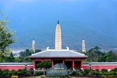 Drie Pagoden van de Chongsheng-Tempel in Dali, Yunnan-Provincie Stock Fotografie