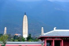 Drie Pagoden van de Chongsheng-Tempel in Dali, Yunnan-Provincie Stock Afbeeldingen