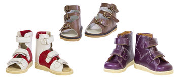 Drie paren orthopedische schoenen van kinderen Royalty-vrije Stock Foto's
