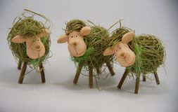 Drie Pasen decoratief stro sheeps Royalty-vrije Stock Foto