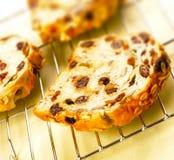 Drie plakken van rozijnenbrood Stock Foto