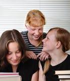 Drie schoolmeisjes Royalty-vrije Stock Foto's