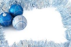 Drie Kerstmissnuisterijen met zilveren klatergoud stock fotografie