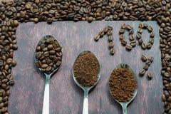 Drie stadia van lepels in koffie - bonen, onmiddellijke grond, Royalty-vrije Stock Foto