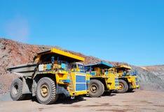 Drie stortplaats-lichaam vrachtwagen Royalty-vrije Stock Afbeeldingen