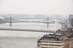 Drie van de hoofdbruggen van Boedapest ` s Stock Afbeeldingen