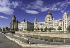 Drie vereren op Liverpools-waterkant Stock Afbeeldingen