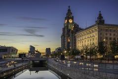 Drie vereren op Liverpools-waterkant Royalty-vrije Stock Fotografie