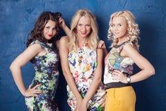 Drie vrolijke meisjes Royalty-vrije Stock Fotografie