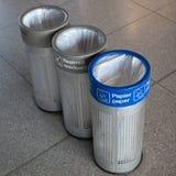 Drie vuilnisbakken Stock Afbeelding