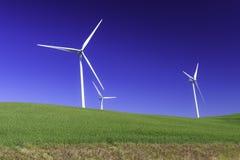 Drie windturbine voor natuurlijke macht Royalty-vrije Stock Afbeeldingen